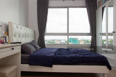 For Sale - Condo for sale on the main road Nawamin.
