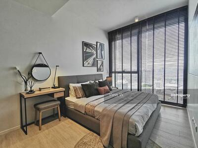 For Rent - The Lofts Silom Rent 1 Bedroom 49 Sq. m. High floor Nice Deco THB 38, 000/month Contact 085-994-2665