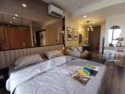 For Rent - Contemporary 1-BR Condo at Ideo Mobi Asoke near BTS Asoke (ID 422993)