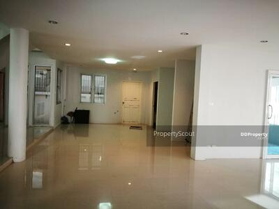 For Rent - Large 3-BR House near BTS Bang Chak (ID 534454)
