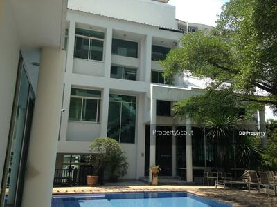 For Rent - Large 3-BR House near BTS Victory Monument (ID 513017)