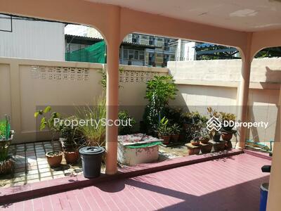 For Rent - Roomy 3-BR House near MRT Sutthisan (ID 456698)