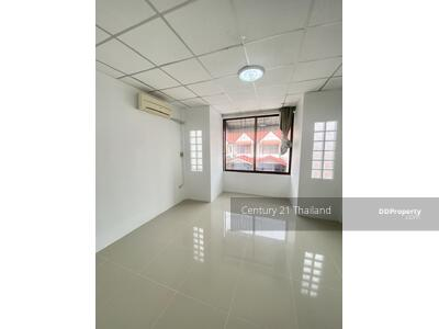 For Sale - Two Bed Townhouse for Sale in Pattaya MSP-41903