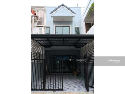 For Sale - H0071 Townhouse for sale, Suksan 7 Village, 2 bedrooms 2 bathrooms with garage Size 22 sq. wa. Renovate the whole house