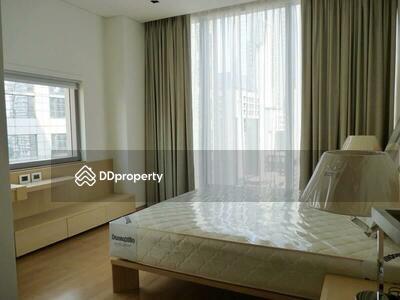 For Rent - Spacious 2-BR Condo at Saladaeng Residences near BTS Sala Daeng (ID 473994)