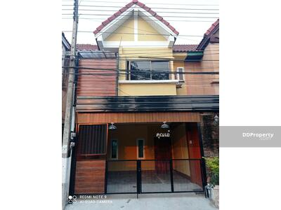 For Sale - 3C5MG0184 Townhouse for sale. There are 2 bedrooms and 2 bathrooms. The area size is 18 sq. w.