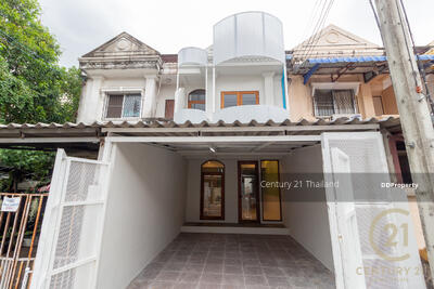 For Sale - Two Bed Townhouse for Sale in Muang Chiang Mai MSP-42666