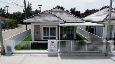 ขาย - CH-016 บ้านสร้างใหม่ ตรงข้ามสำนักงานที่ดินสารภี บ้านสร้างเสร็จพร้อมเข้าอยู่  **ราคาเริ่มต้น 1. 99ล้าน**  ด่วน** เหลือเพียง3หลัง -มี2ห้องนอน2ห้องน้ำ