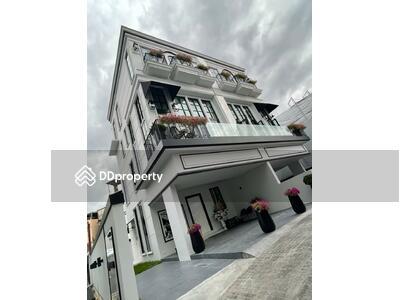 For Sale - Large 3-BR Townhouse near BTS Ekkamai (ID 497867)