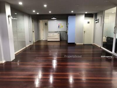 For Rent - Large 3-BR House near BTS Ekkamai (ID 459840)