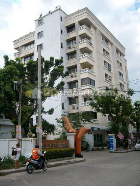 Grand Park Town condominium #1676276
